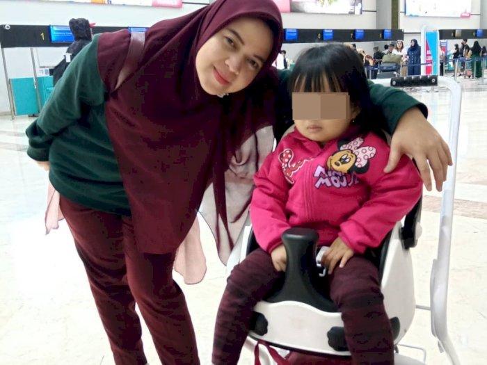 Ratih Windania & Adek Yumna Naik Sriwijaya Air Berdua, Ucapkan 'Da-da' Sebelum Terbang