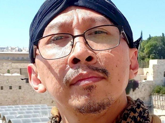 Abu Janda Sebut Sriwijaya Air SJ182  Telah Berusia 26 Tahun, Dia Ajak Warganet Berdoa