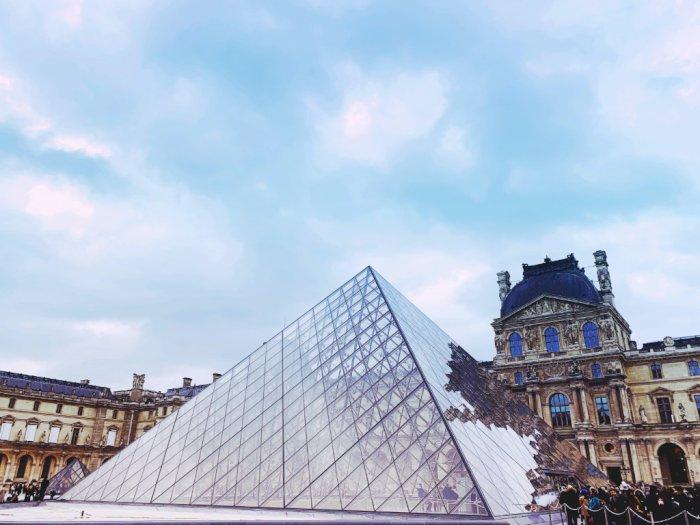 Imbas Covid-19, Jumlah Pengunjung Museum Louvre Prancis Turun Drastis