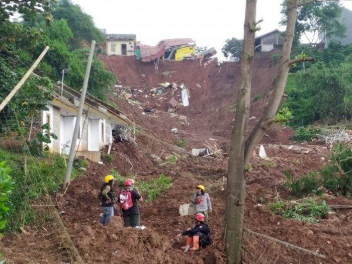 Pencarian Korban Longsor Sumedang dapat Bantuan Penerangan PLN, SAR Berharap tidak Hujan