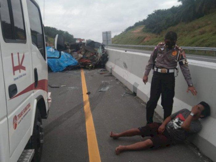Kecelakaan di Tol Pekanbaru-Dumai Libatkan Fuso dan Minibus, Lima Nyawa Melayang, Dua Luka