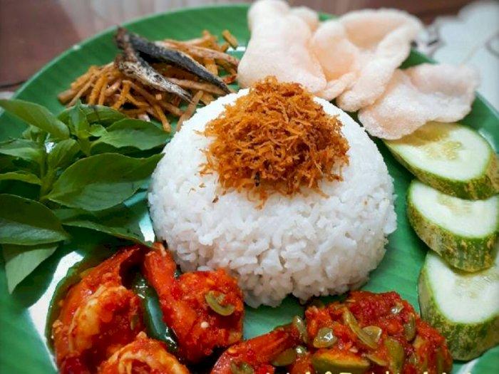 Hidangan Nusantara Hari Ini: Masak Nasi Ulam Khas Betawi