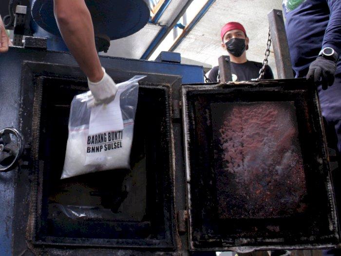 FOTO: Pemusnahan Barang Bukti Narkoba di Makassar