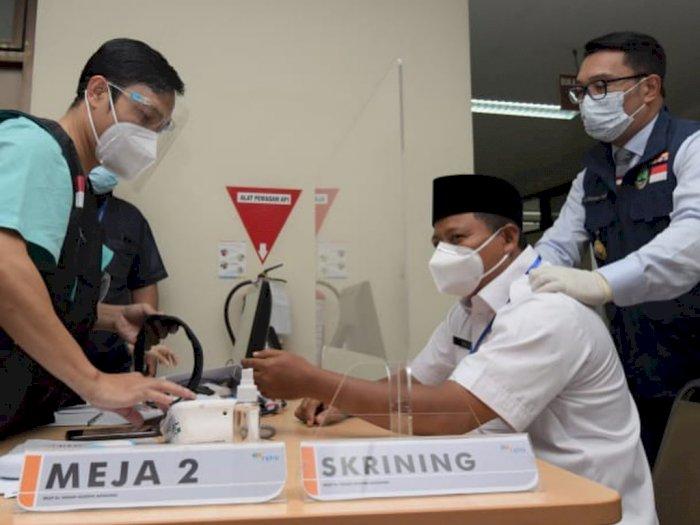 Jawa Barat Lakukan Vaksinasi Perdana, Ridwan Kamil: Jangan Euforia Dulu Setelah Divaksin