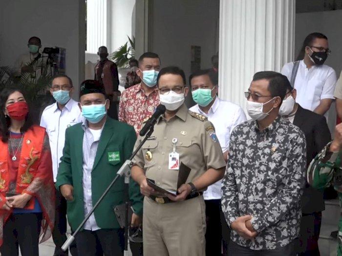Beda dari Jokowi dan Ridwan Kamil, Anies Tak Undang Influencer untuk Vaksinasi Perdana