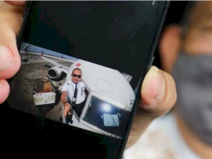 Jenazah Co-pilot Kru Ekstra Sriwijaya Air Fadly Satrianto Diserahkan ke Pihak Keluarga