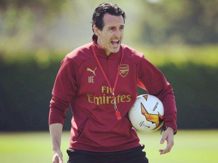 1 Setengah Tahun Latih Ozil di Arsenal, Unai Emery Akui Pernah Perjuangkan Sang Playmaker