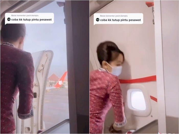 Pramugari ini Diminta Ajarkan Cara Menutup Pintu Pesawat, Penasaran Netizen Terjawab