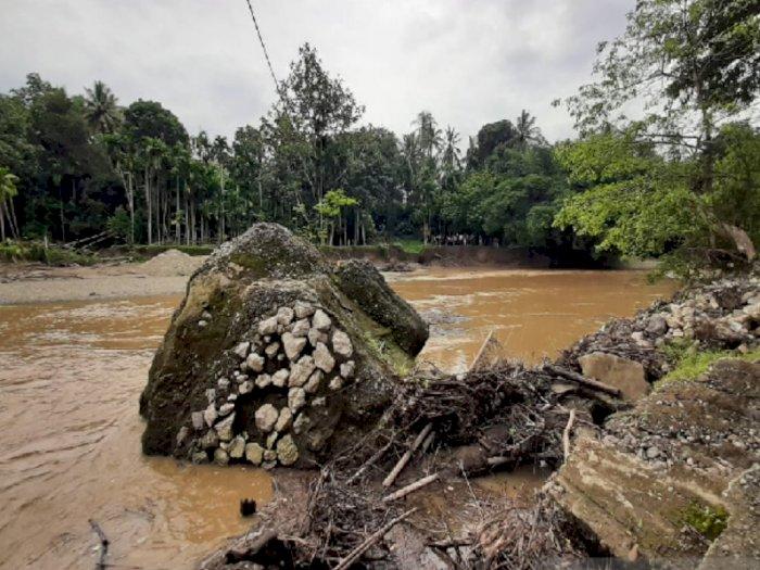 Jembatan Penghubung Putus di Desa Siron, Anggota DPR RI Ini Janji Usulkan Pembangunannya