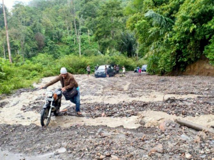 Longsor di Dua Kampung, Jalur Bireuen-Takengon Lumpuh Tertimbun Material Batu dan Lumpur