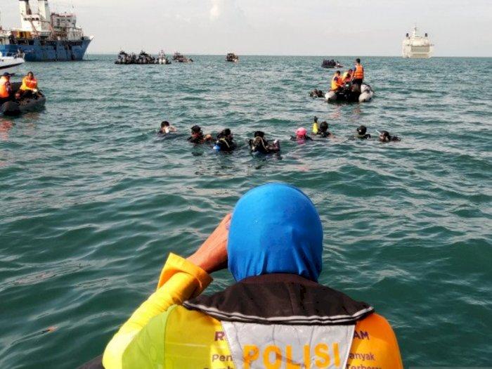 Penyelam Polri Fokus Cari Korban dan Puing Pesawat Sriwijaya Air SJ-182