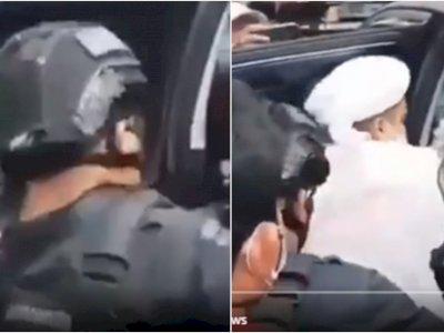 Video Rizieq Shihab Diduga Ditendang Polisi Brimob saat Masuk Mobil, Tangannya Diborgol