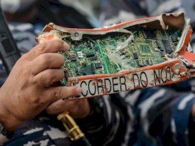 KNKT Jelaskan Memori Black Box CVR SJ-182 Bisa Dibaca Meski Lepas dari Casing