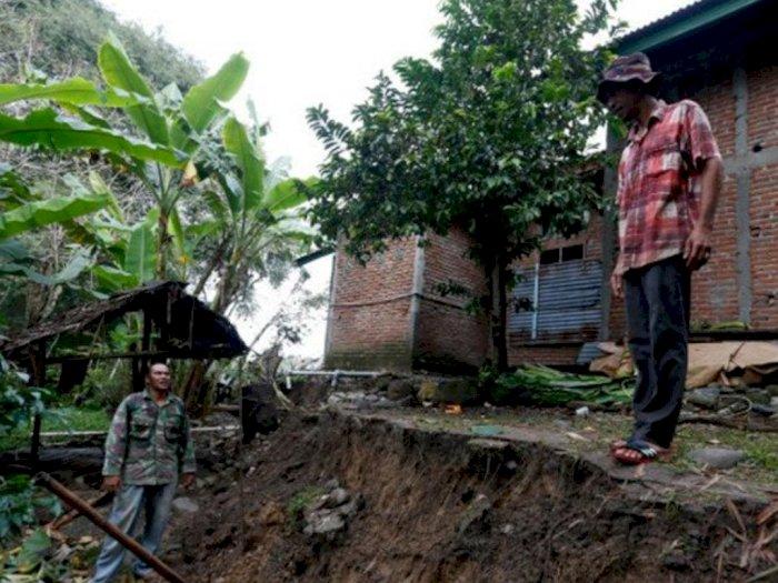 Tepat di Lokasi Pergeseran Tanah di Gampong Lamkleng, BMKG Pasang Seismometer