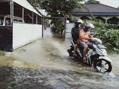 Hari ke-4 Banjir di Banjarmasin, Tinggi Air Belum Surut