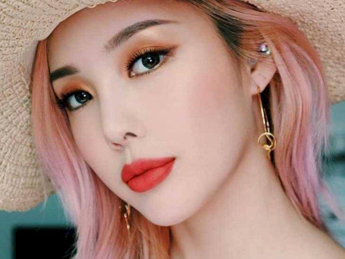 4 Cara Ampuh Bikin Makeup Mata Tahan Seharian pada Jenis Kulit Berminyak