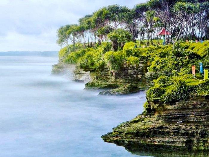 Pantai Batu Hiu Pangandaran, Spot Instagramable di Jabar dengan Beragam Keunikannya
