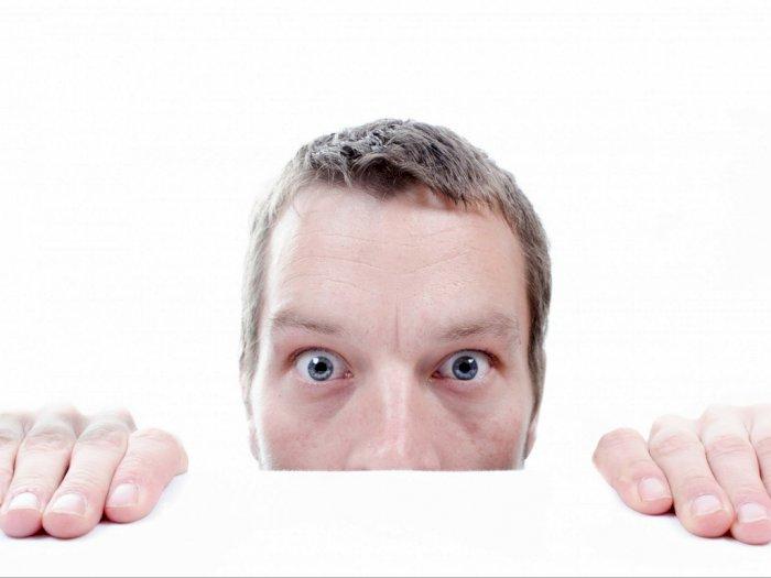 Mata Kering Karena Kelamaan Pakai Masker? Begini Cara Mencegahnya!
