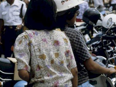 Viral Foto Jadul Malioboro 1986, Tulisan di Helm Pemotor Ini Malah Bikin Netizen Ngeri