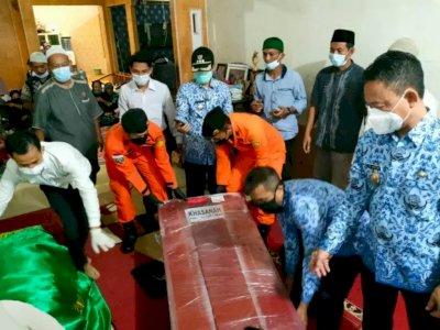 Jenazah Ibu dan Anak Korban Sriwijaya Air Tiba di Pontianak, Tangis Keluarga Pecah