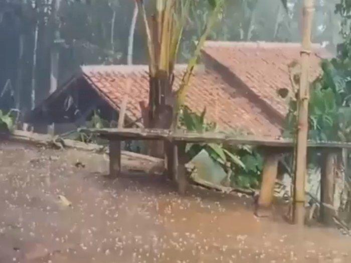 Fenomena Hujan Es di Cianjur, Warga Sempat Ketakutan dan Berlindung ke Dalam Rumah