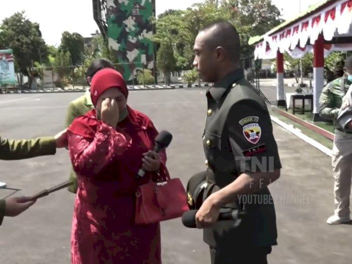 Sedih! Bertemu usai 18 Tahun Terpisah, Anggota TNI Ini Sampai Lupa Wajah Ibunya
