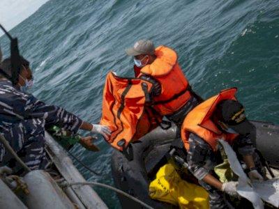 Merinding! Potongan Kaki Diduga Korban SJ182 Ditemukan di Pantai Bekasi