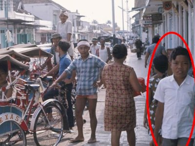 Viral Potret Penarik Becak di Sukabumi 1980, Netizen Malah Salfok ke 'Hot Pant' Orang Ini