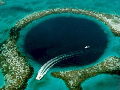 Mengenal The Great Blue Hole, Lubang Raksasa pada pesisir Belize