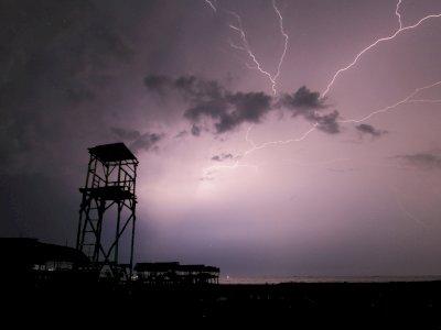 Waspada! Sebagian Besar Wilayah Indonesia Berpotensi Cuaca Ekstrem, Ini Imbauan BMKG