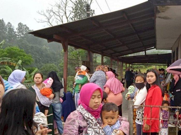 Banjir Bandang di Desa Tugu Selatan Puncak, Ratusan Korban Mengungsi ke Masjid