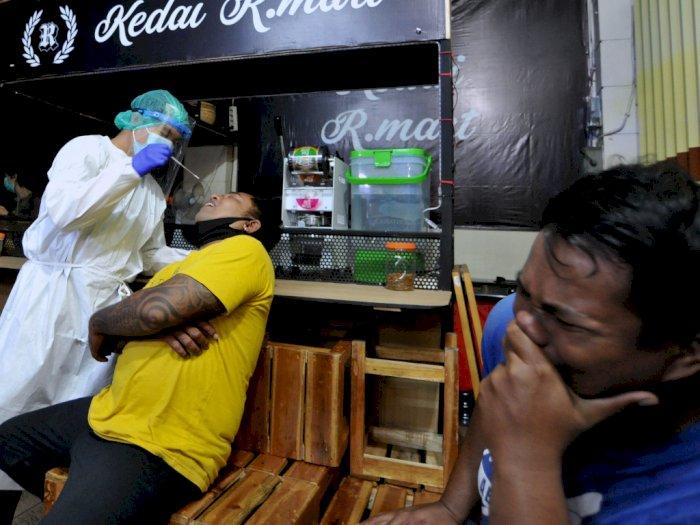 FOTO: Rapid Test Antigen Pelanggar Aturan PPKM di Denpasar