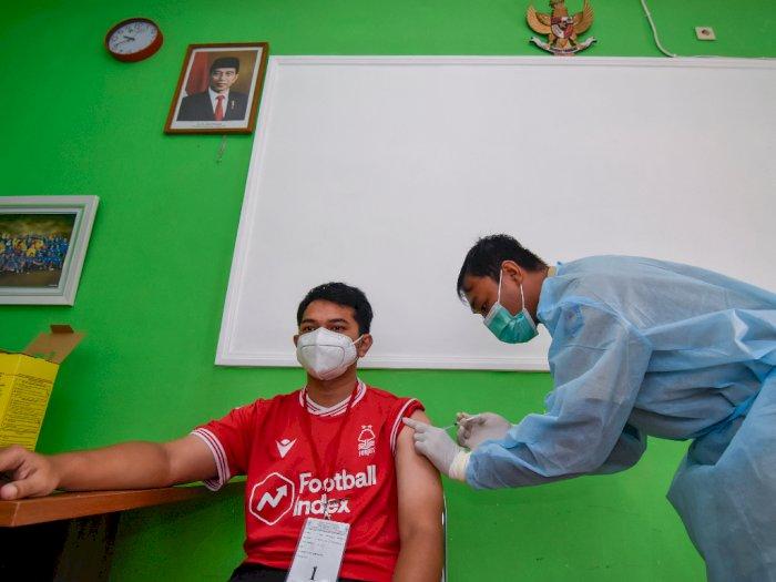 FOTO: Vaksinasi COVID-19 Tenaga Kesehatan di NTB