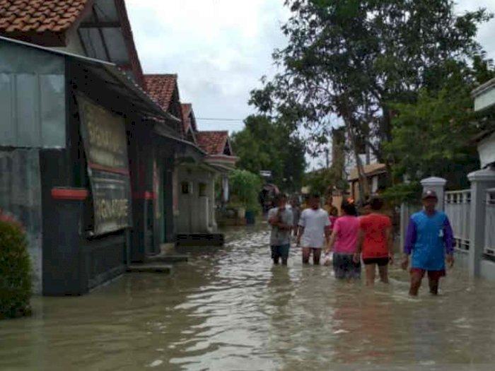 Desa Suranenggala Kulon Buka Dapur Umum untuk Penuhi Makan Korban Banjir Cirebon