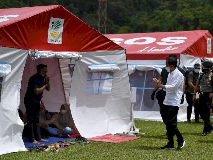 Presiden Jokowi Kunjungi Posko pengungsian Mamuju Tinjau Korban Gempa