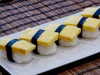 Anti Ribet, Ini Dia Cara Membuat Tamago Sushi