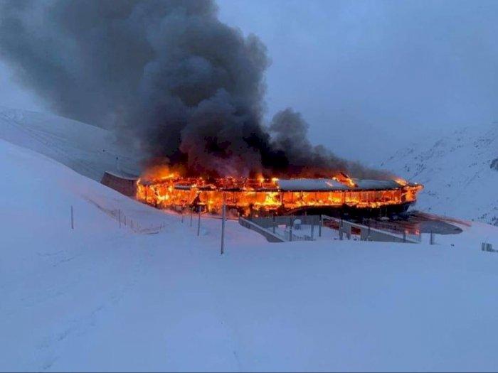 Museum Top Mountain Crosspoint Terbakar, Lebih dari  200 Motor Klasik Hangus Terbakar!