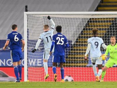 Sengitnya Persaingan Liga Inggris: Pecundangi Chelsea, Leicester Pimpin Klasemen Sementara