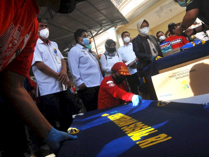 Berkunjung ke Manado, Mensos Kucurkan Rp1,8 Miliar Bantu Korban Banjir-Longsor