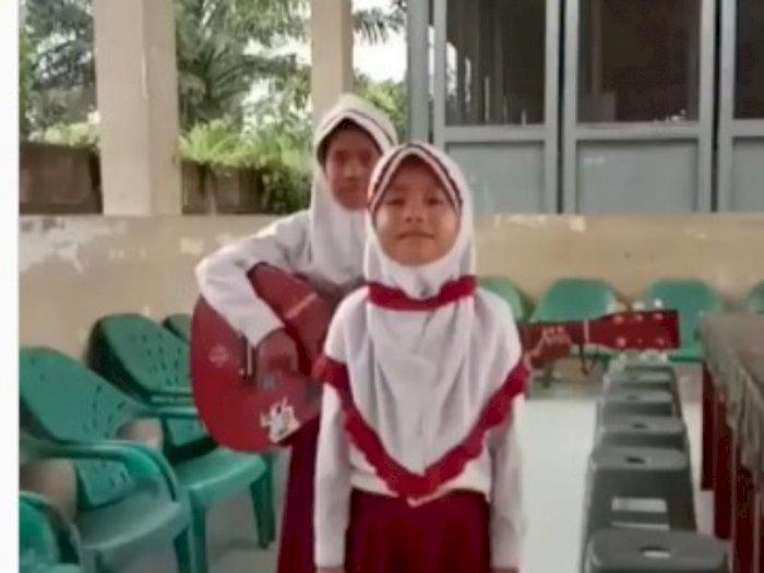 Ini Video Nyanyian Dua Anak Sekolah Dasar untuk Presiden tentang Belajar Online