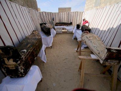 Mesir Umumkan Penemuan 'Harta Karun' Kuno di Situs Saqqara Berusia 3.000 Tahun