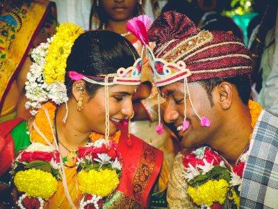 Pasangan di India Ini Pakai Kode QR Pada Undangan Pernikahan untuk Hindari Kontak Langsung