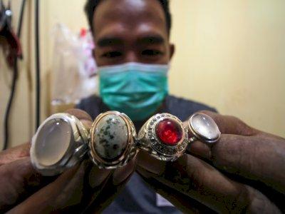 FOTO: Perajin Gagang Cincin Tempahan di Aceh