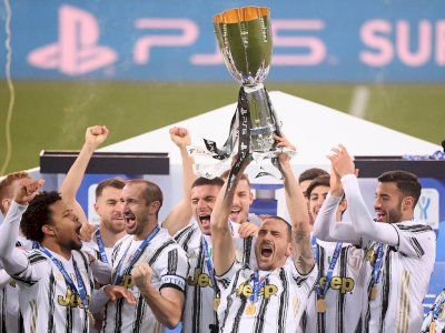 Tundukkan Napoli, Juventus Juara Piala Super Italia, Trofi Perdana Pirlo Sebagai Pelatih