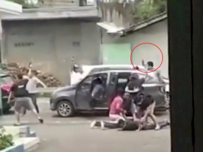 Detik-detik Video Polisi Letuskan Senjata Ringkus Sindikat Perampok Bersenpi di Semarang