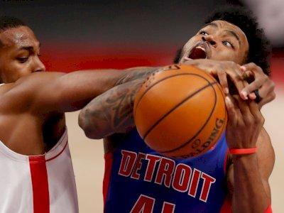 FOTO: Menang Tipis, Rockets Kalahkan Pistons 103-102