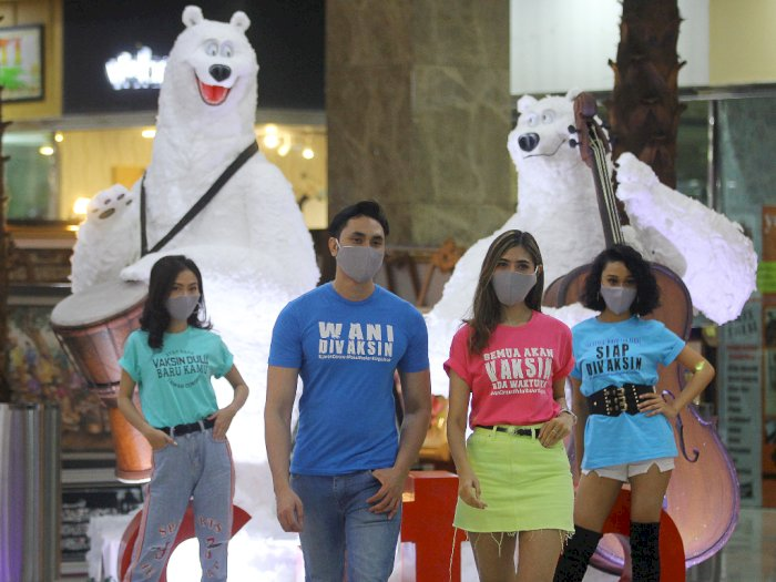 FOTO: Kampanye Siap Divaksin Melalui Kaos di Surabaya