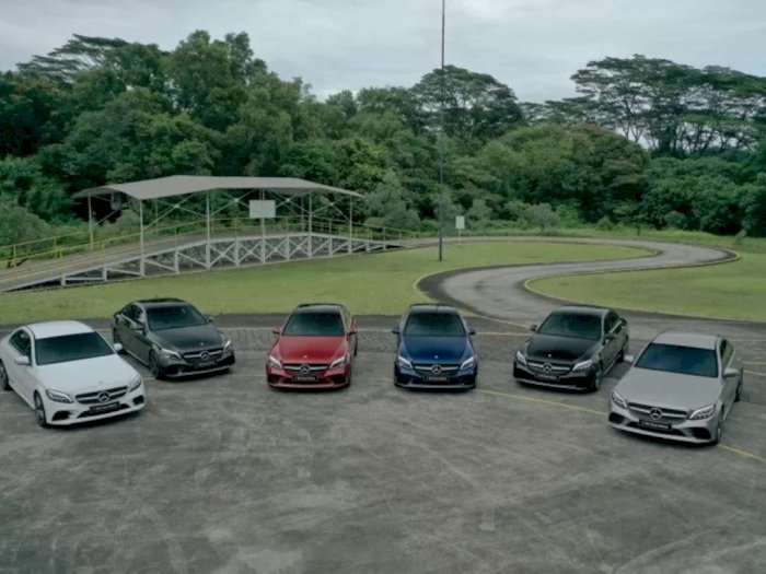 Mercedes-Benz Ramaikan Pasar Kendaraan dengan Luncurkan Dua Kendaraan Sedan C-Class