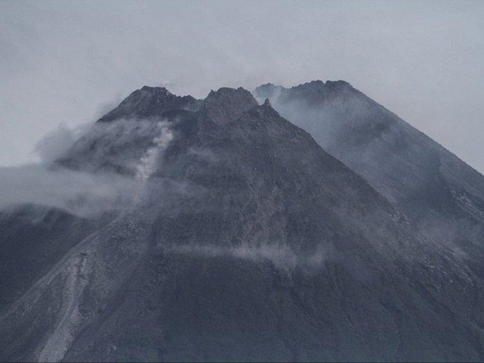 Gunung Merapi 22 Kali Luncurkan Lava Pijar, Aktivitasnya Tinggi