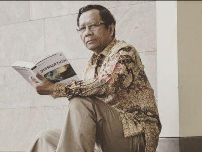 Siswi Non-Muslim di Padang Dipaksa Pakai Jilbab, Mahfud MD Kenang Peristiwa Akhir 1970-an